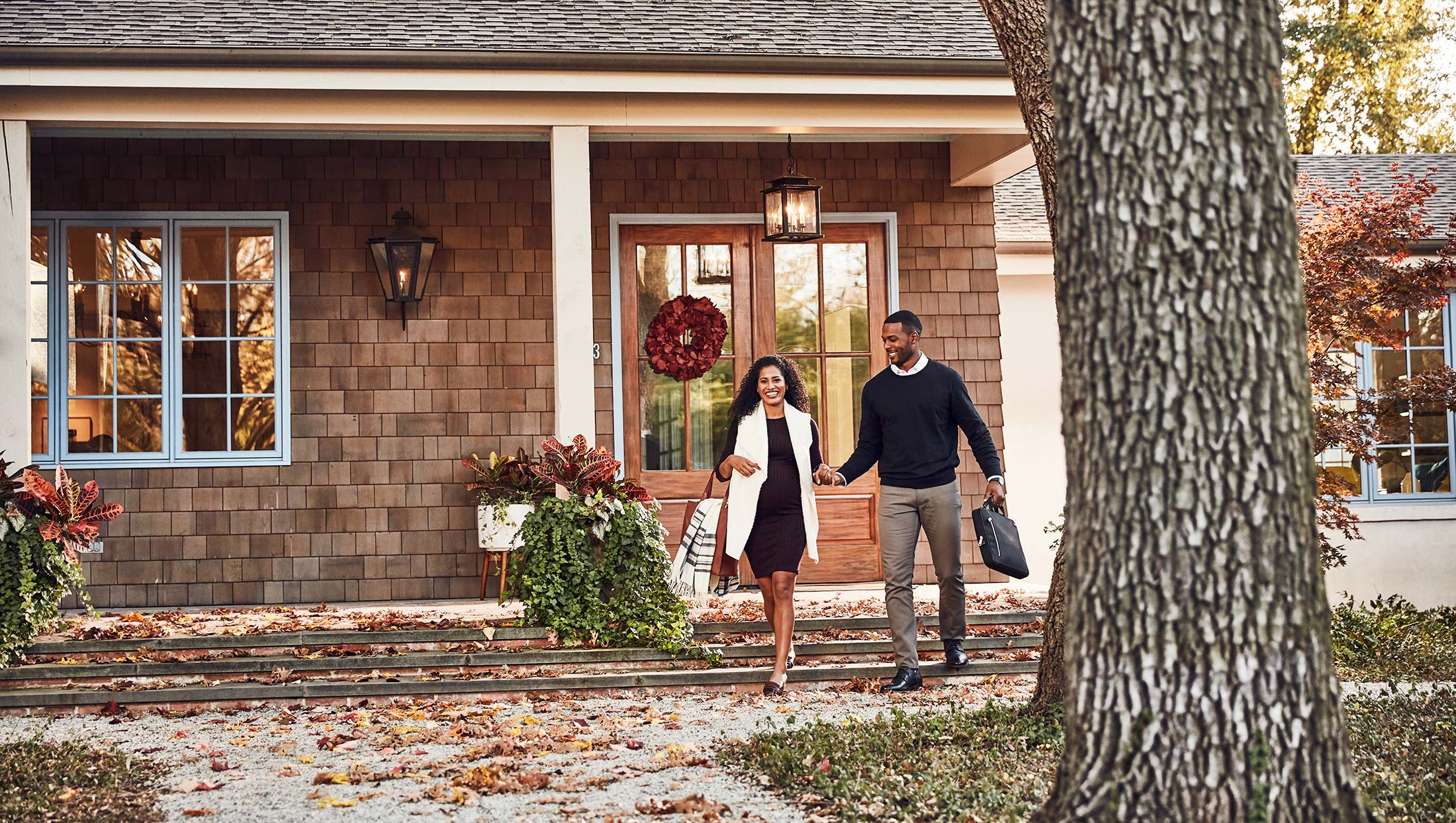 CHASE-BANK-Front-Door-Couple-Autumn-2161-2